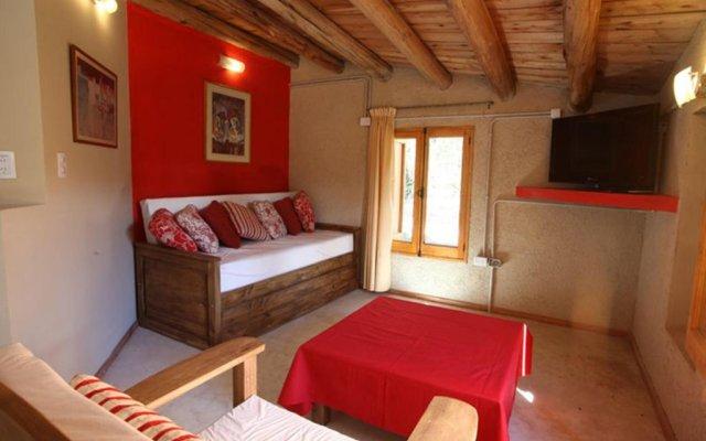 Отель La Pilar Petit Chalets Сан-Рафаэль комната для гостей