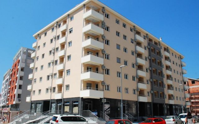 Апартаменты Azzuro Lux Apartments вид на фасад