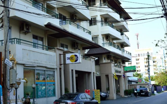Отель Modern Place вид на фасад