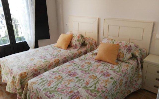 Отель Velez Nazari комната для гостей