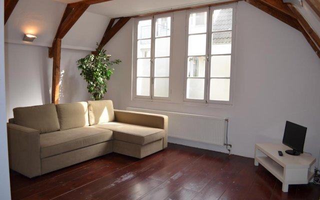 Отель Rembrandtplein Apartment Нидерланды, Амстердам - отзывы, цены и фото номеров - забронировать отель Rembrandtplein Apartment онлайн комната для гостей