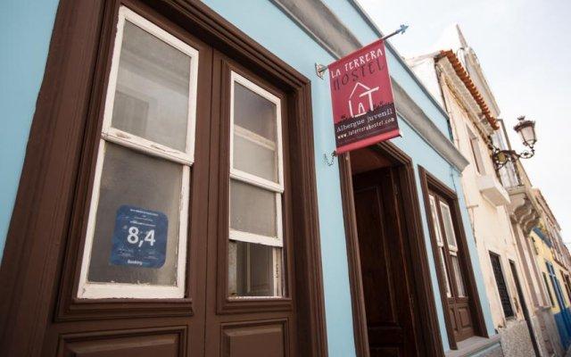La Terrera Youth Hostel вид на фасад
