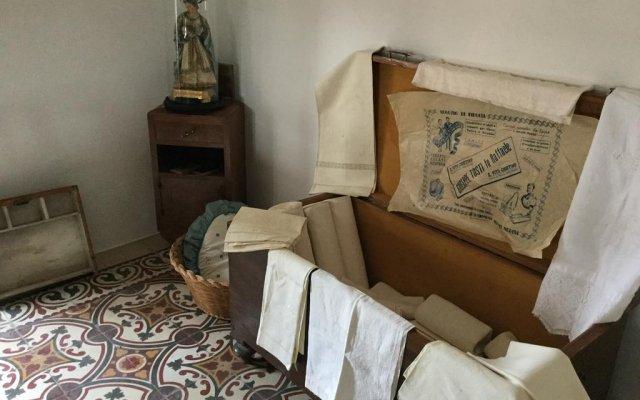 Отель Villa Donne Caravaggio Рокка-Сан-Джованни комната для гостей
