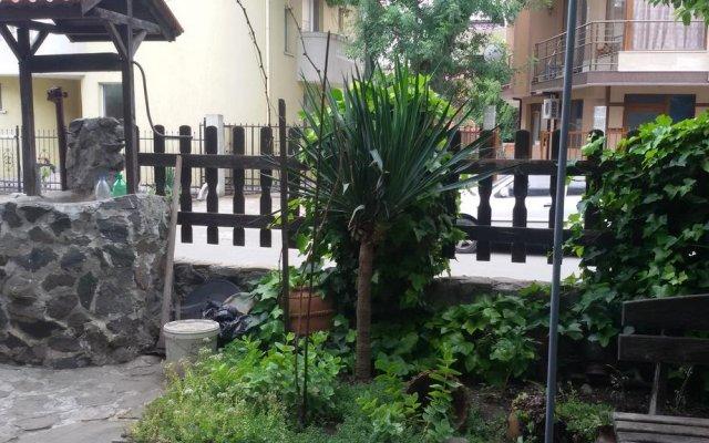 Апартаменты Eli Apartments - Different locations in Sarafovo, Bourgas вид на фасад