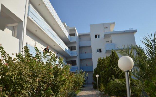 Отель Elpida Beach Studios вид на фасад