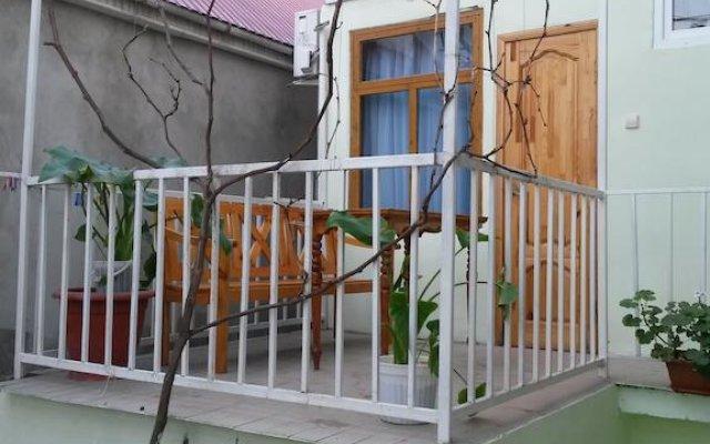 Гостиница Гостевой Дом Лидия в Анапе отзывы, цены и фото номеров - забронировать гостиницу Гостевой Дом Лидия онлайн Анапа балкон