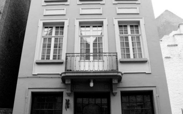 Hostel de Passage 1