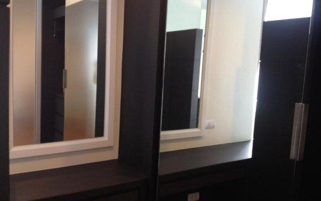 Отель Demeter Residence Suites Bangkok Бангкок комната для гостей