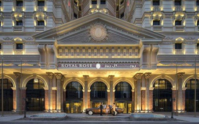 Royal Rose Hotel вид на фасад