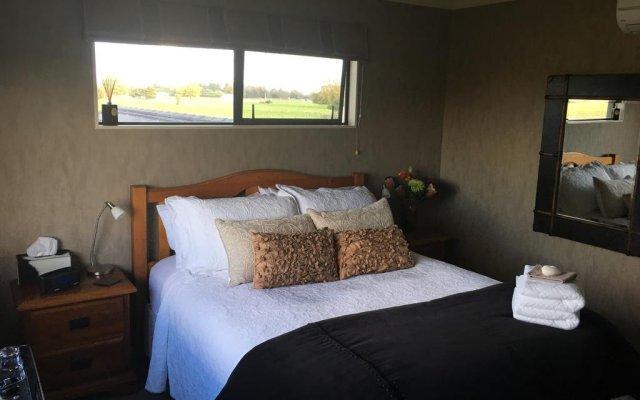 Отель Nourish Bed and Breakfast комната для гостей