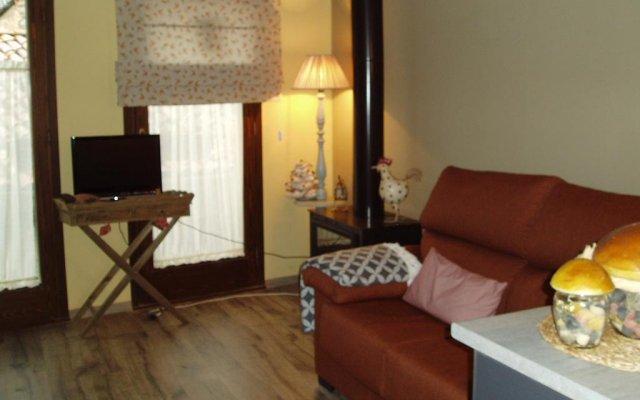Отель El Pomer Рибес-де-Фресер комната для гостей