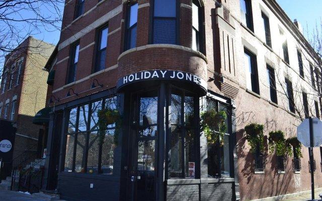 Holiday Jones 0
