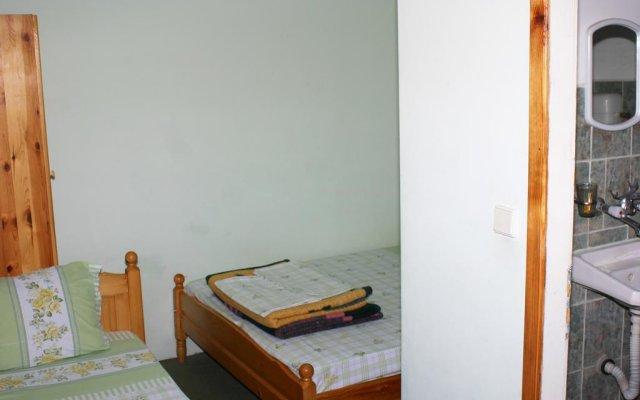 Отель Kakalashki Kashti Боженци комната для гостей