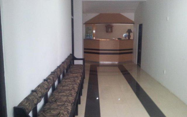 Отель Queens rest inn комната для гостей