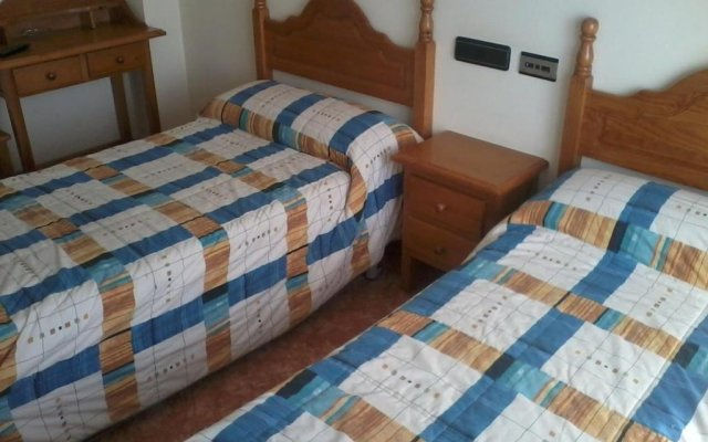 Отель Hostal Linares комната для гостей