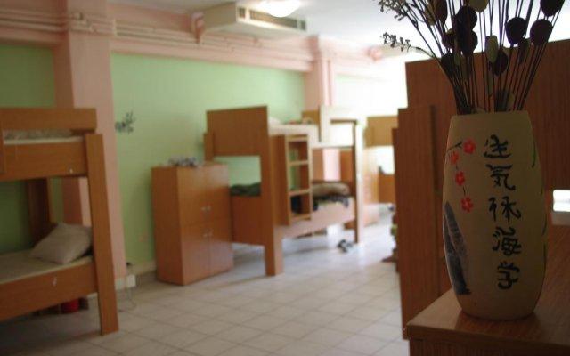 Small Funny World Athens - Hostel комната для гостей