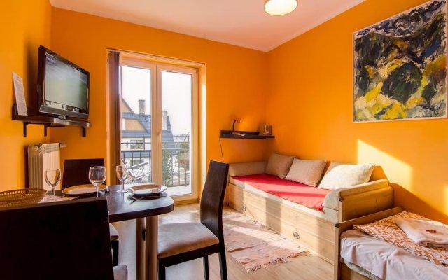 Отель Apartamenty Gronik Zakopane Косцелиско комната для гостей