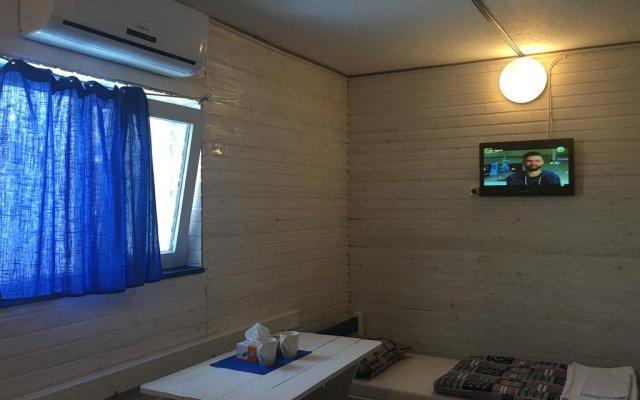 Гостиница Chernomorsky Mayak Украина, Одесса - отзывы, цены и фото номеров - забронировать гостиницу Chernomorsky Mayak онлайн комната для гостей