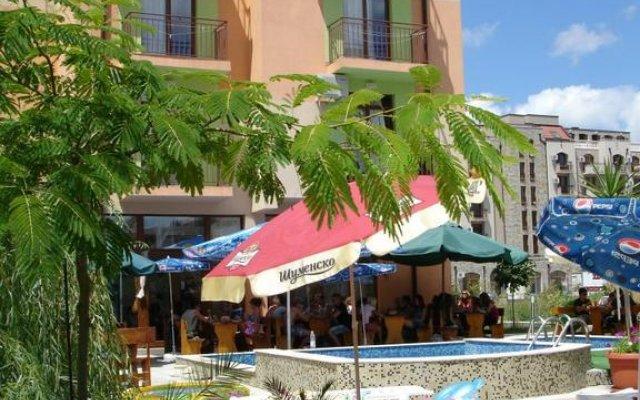 415 Hostel Солнечный берег вид на фасад