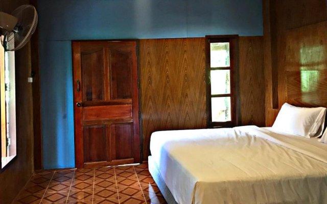 Отель Easylife Bungalow Ланта комната для гостей