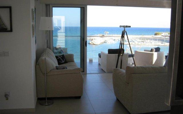 Отель Trident Beach Apartment Кипр, Протарас - отзывы, цены и фото номеров - забронировать отель Trident Beach Apartment онлайн комната для гостей