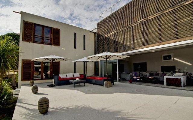 Отель design luxe villa house balinaise в Сен Марк Жомгарде