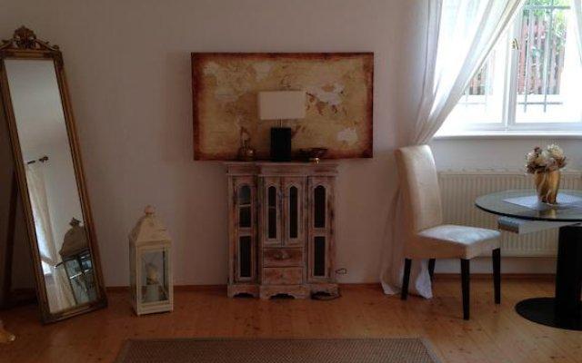 Отель Ferienwohnung Weintraube Германия, Дрезден - отзывы, цены и фото номеров - забронировать отель Ferienwohnung Weintraube онлайн комната для гостей