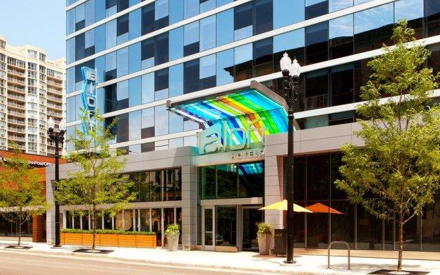 Отель Aloft Chicago City Center вид на фасад