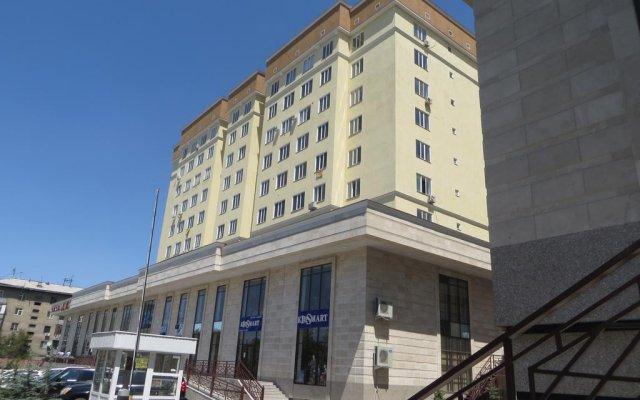 Отель Maximus Apartament Bishkek Кыргызстан, Бишкек - отзывы, цены и фото номеров - забронировать отель Maximus Apartament Bishkek онлайн вид на фасад