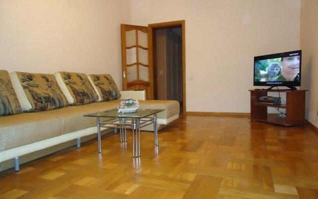 Апартаменты Rentday Apartments - Kiev комната для гостей