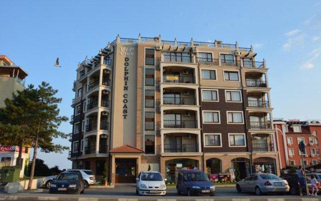 Отель VIP CLUB Dolphin Coast Болгария, Солнечный берег - отзывы, цены и фото номеров - забронировать отель VIP CLUB Dolphin Coast онлайн вид на фасад