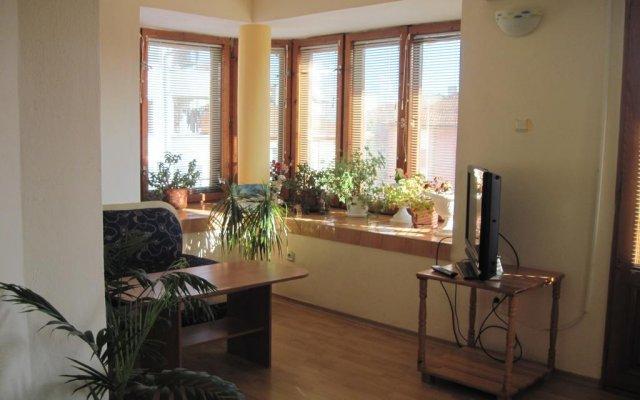 Отель Bogoevi Apartments Болгария, Бургас - отзывы, цены и фото номеров - забронировать отель Bogoevi Apartments онлайн комната для гостей