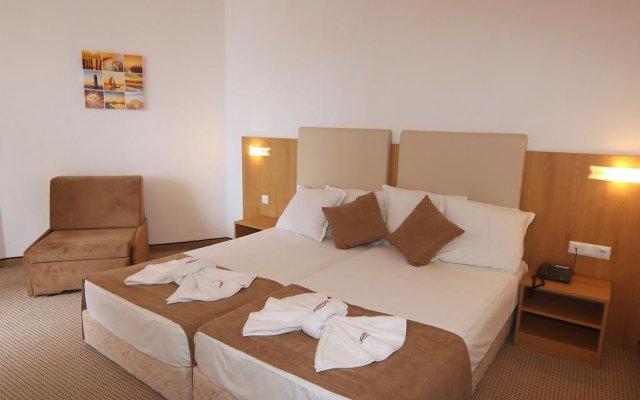 Отель Fiesta M Солнечный берег комната для гостей