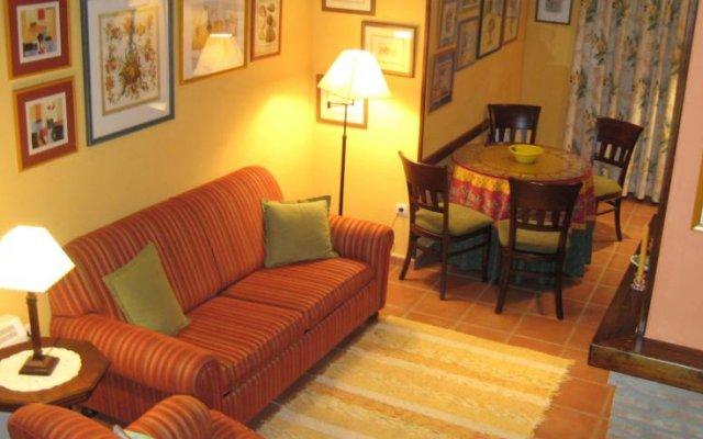 Отель Apartamentos Saqura Сегура-де-ла-Сьерра комната для гостей