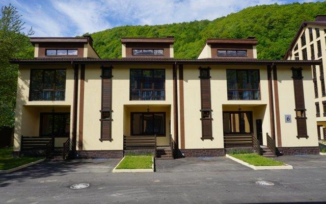 Гостиница Коттеджный комплекс Горки Аврора