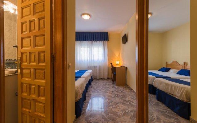 Отель Apartamentos La Bolera Испания, Арнуэро - отзывы, цены и фото номеров - забронировать отель Apartamentos La Bolera онлайн комната для гостей