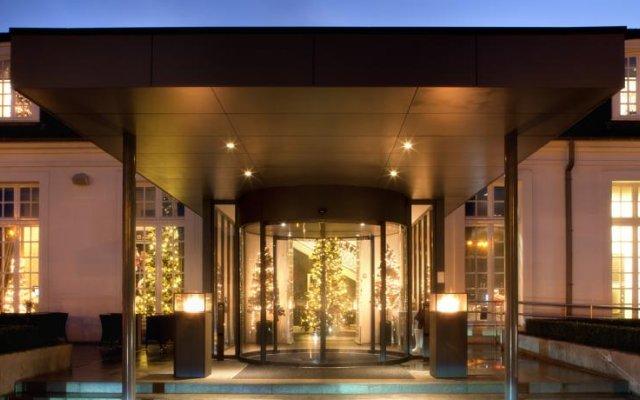 Hotel Van der Valk Brugge-Oostkamp 0