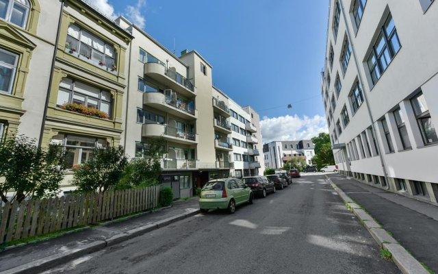 Отель Oslo Apartments - Rosenborggate 24 Норвегия, Осло - отзывы, цены и фото номеров - забронировать отель Oslo Apartments - Rosenborggate 24 онлайн парковка