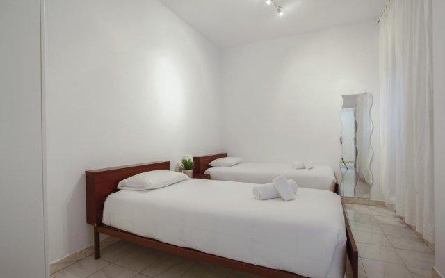 Отель Bbarcelona Sant Jordi Flat Барселона комната для гостей