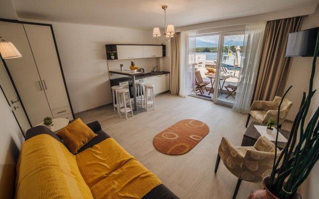 Отель Apartmani Harmonia Черногория, Тиват - отзывы, цены и фото номеров - забронировать отель Apartmani Harmonia онлайн комната для гостей