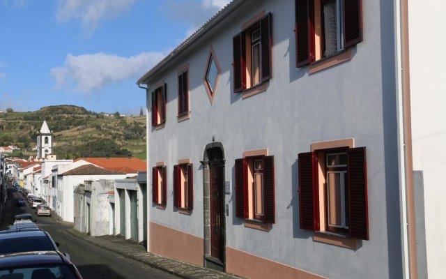 Отель Apartamentos São João вид на фасад