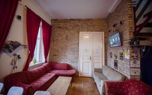 Unity Hostel Budapest Будапешт комната для гостей