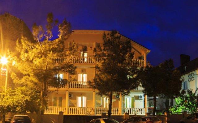 Гостевой Дом Карина вид на фасад