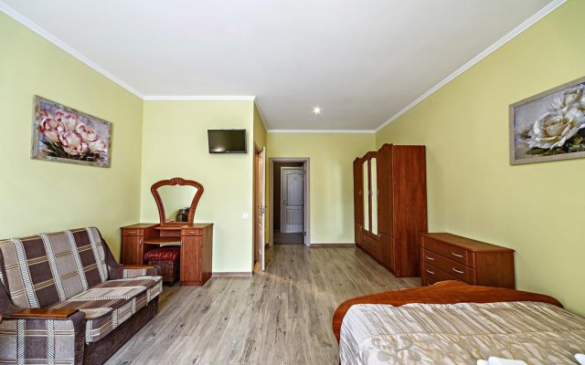 Гостиница ЦісаR Украина, Львов - 10 отзывов об отеле, цены и фото номеров - забронировать гостиницу ЦісаR онлайн комната для гостей