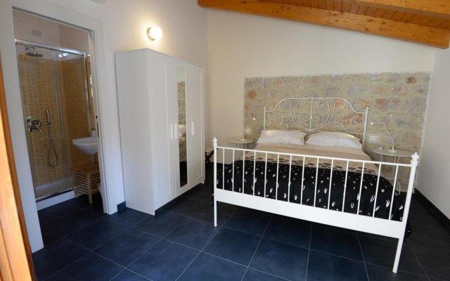 Отель Al Giardino di Anna Фонди комната для гостей