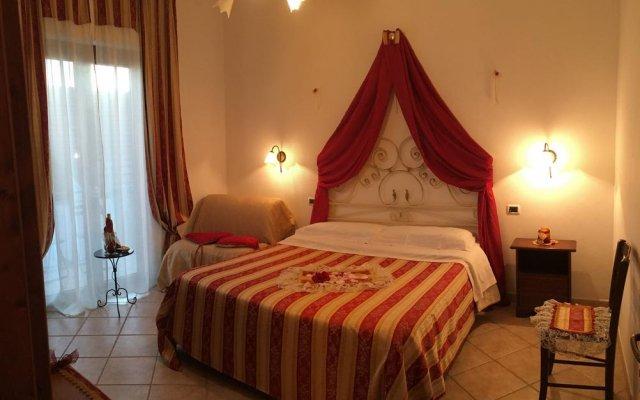 Отель Vecchio West Аджерола комната для гостей