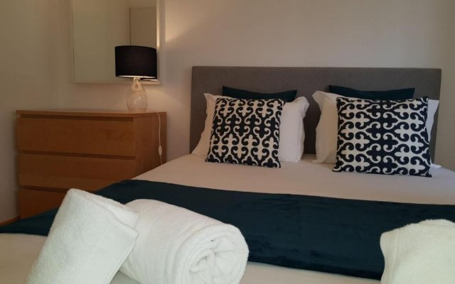 Апартаменты Shortstayflat Central Apartments Principe Real Лиссабон комната для гостей