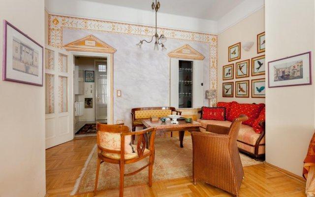 Отель Lohikeitto Apartment Венгрия, Будапешт - отзывы, цены и фото номеров - забронировать отель Lohikeitto Apartment онлайн комната для гостей