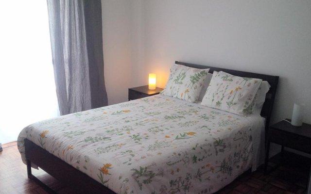 Отель 100 Contos комната для гостей
