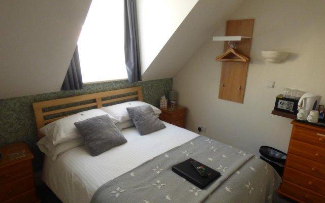 Hotel Barton комната для гостей